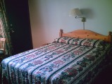 junior suite queen bed, sunny point resort inn, inns otter lake, hotels inn, hotel accommodations, ontario inns